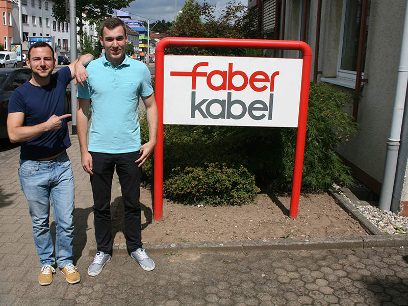 Three apprentices start into the future with Kabel.
